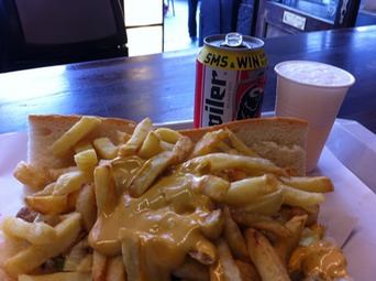 Frites and sauce