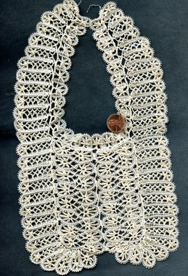NOVELTY crochet bib380
