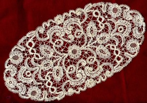 Rosaline doily whole387
